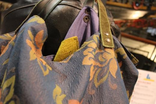 borsa fatta a mano con tessuti di arredo pregiati